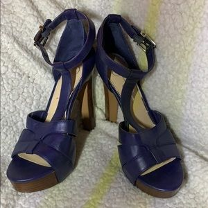 Jessica Simpson's blue high heels